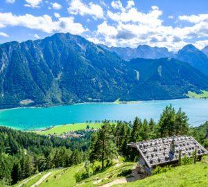kühle Badeseen in Österreich